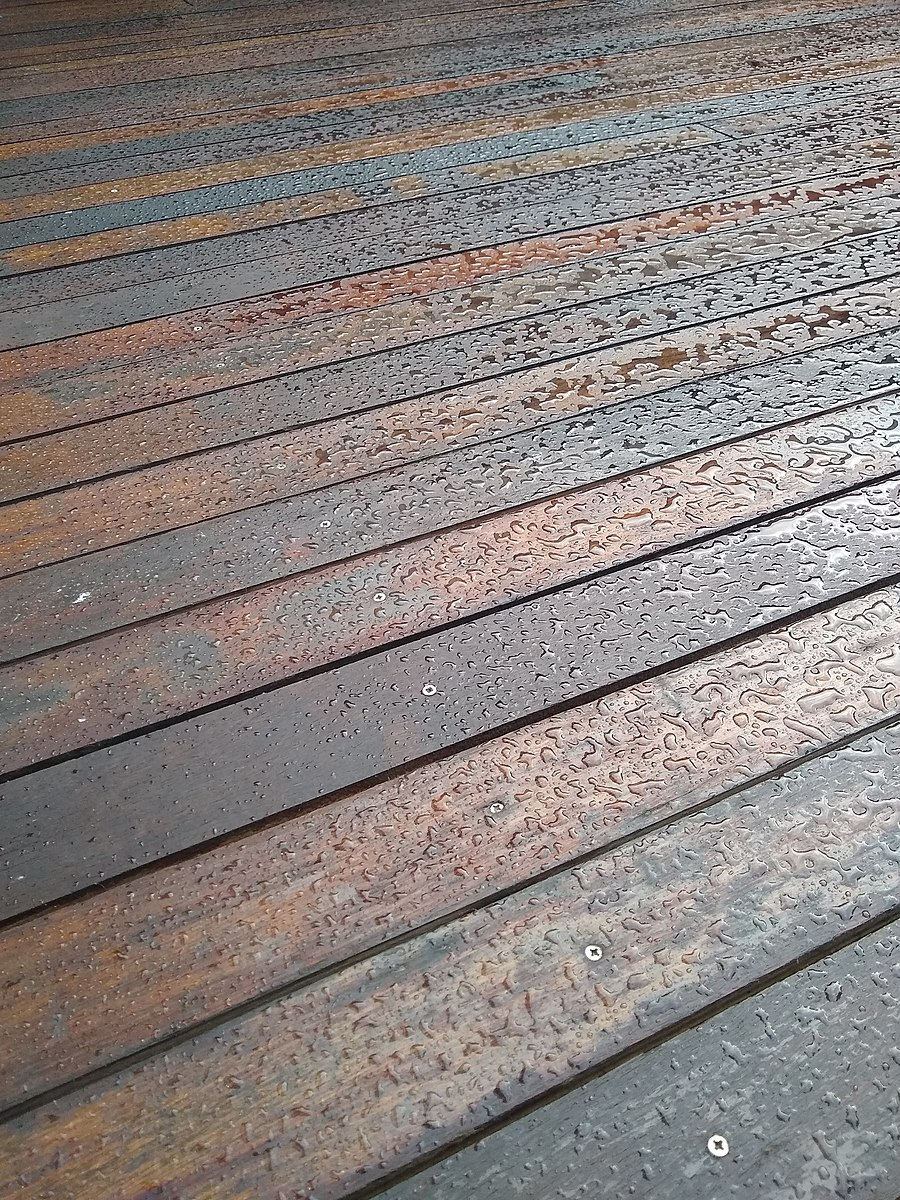 Composite decking Cardiff in wood